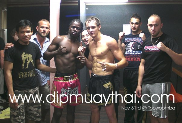 Dip Muay Thai fight team